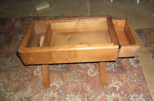 Столик с ящиком
