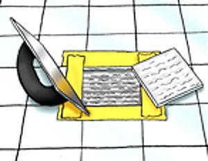 наносим шпателем плиточный клей