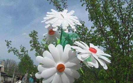 Сделать декоративные цветы