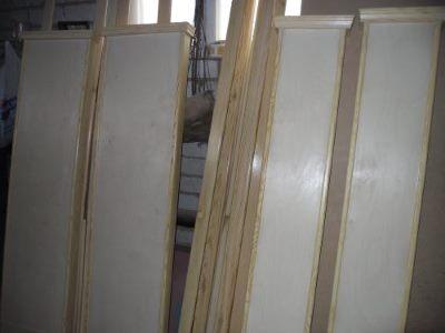 Вертикальные столбики с наличником