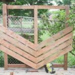 Как обшить забор шевроном