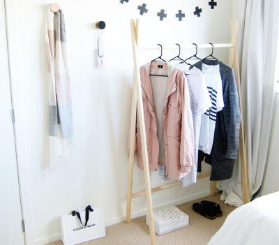 Как быстро сделать вешалку для одежды