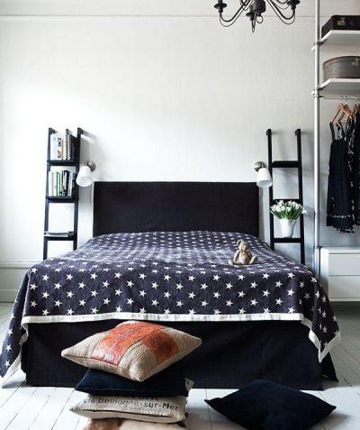 Полки в спальне