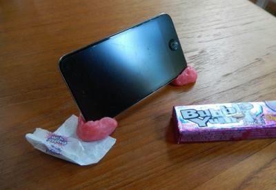 Закрепить смартфон