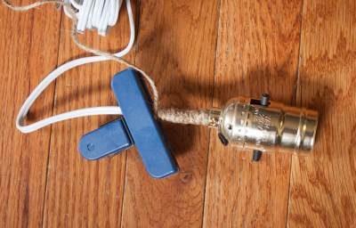 Обмотать кабель шпагатом