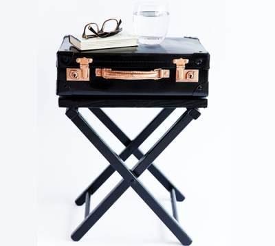 Столик из чемодана