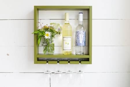 Лёгкий винный шкафчик